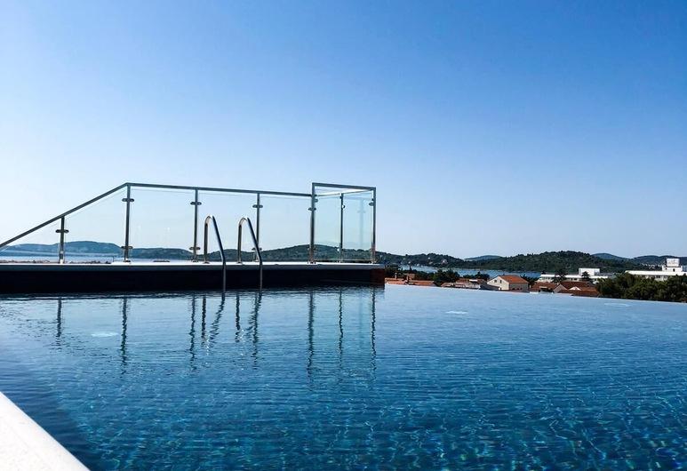 Hotel Scala dOro, Vodice, Tetőteraszi medence