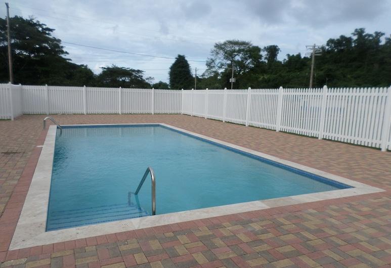 伊里斯別墅酒店, 倫納威灣, 室外泳池