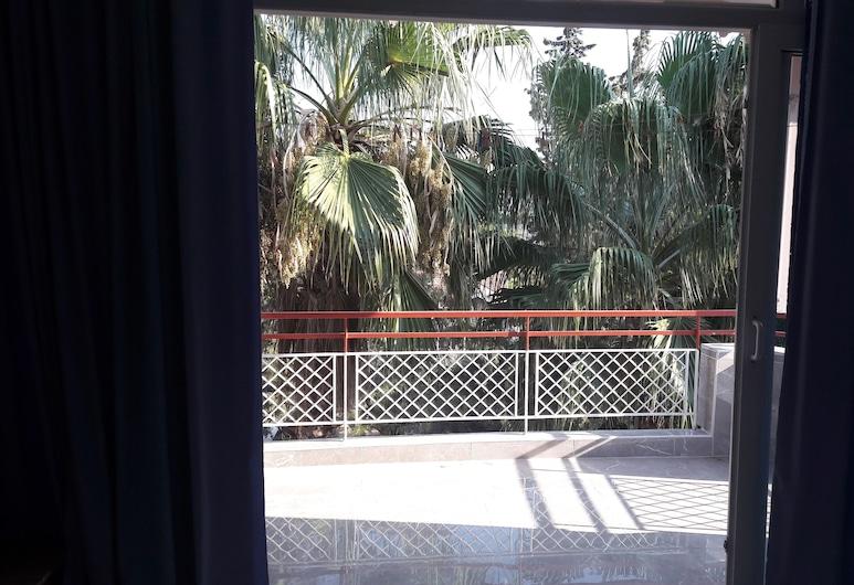Gunay Pansiyon, Antalya, Basic-Dreibettzimmer, eigenes Bad, Terrasse/Patio
