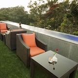 Estudio Deluxe, 1 cama Queen size, con acceso para silla de ruedas, para fumadores - Terraza o patio