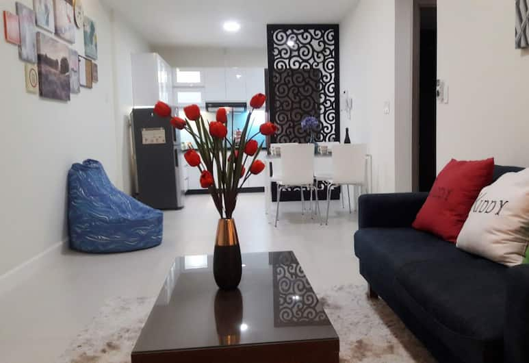 Horse Square Apartment, Ho Chi Minh City, City Condo, 2 Bedrooms, Pool Access, City View, Living Area