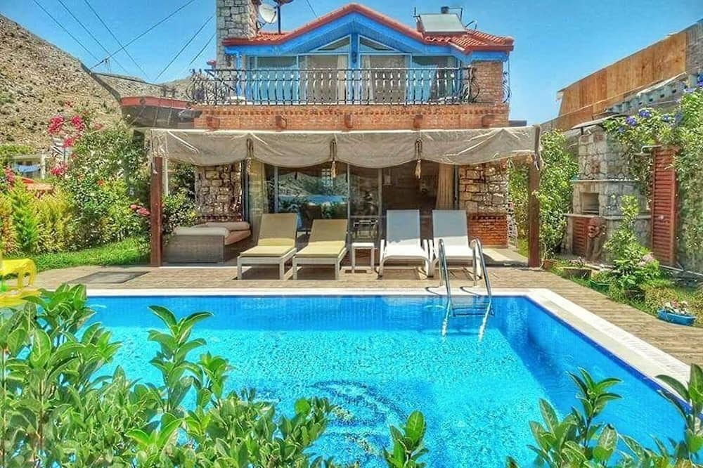 Family Villa, Non Smoking (Pirate) - Front of property