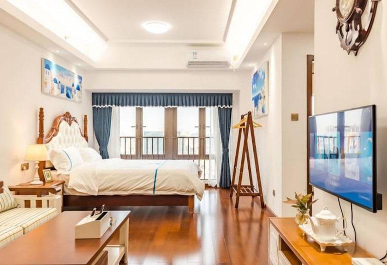 Western Theme Holiday Apartment Hotel (Shenzhen Bantian Metro Station), Shenzhen, Superior Double Room, Room