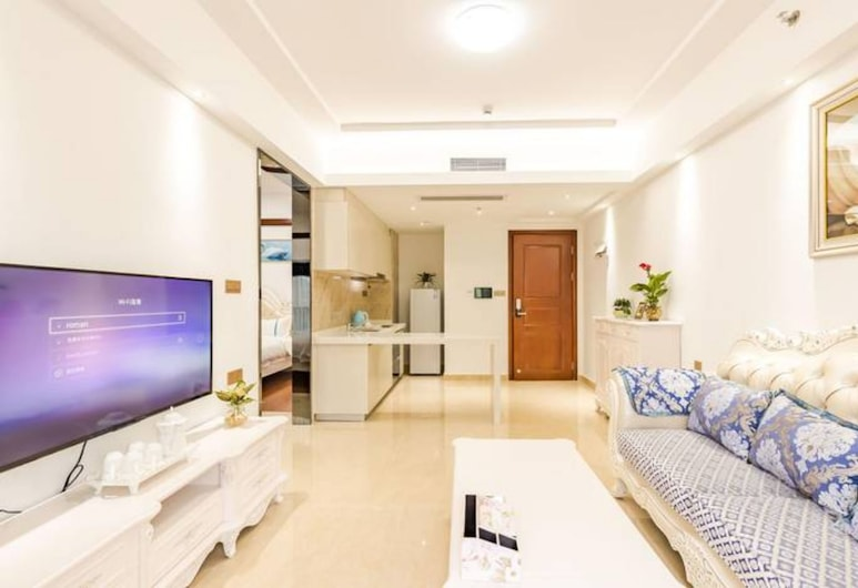 Western Theme Holiday Apartment Hotel (Shenzhen Bantian Metro Station), Shenzhen, Deluxe Suite, 2 Bedrooms, Living Area