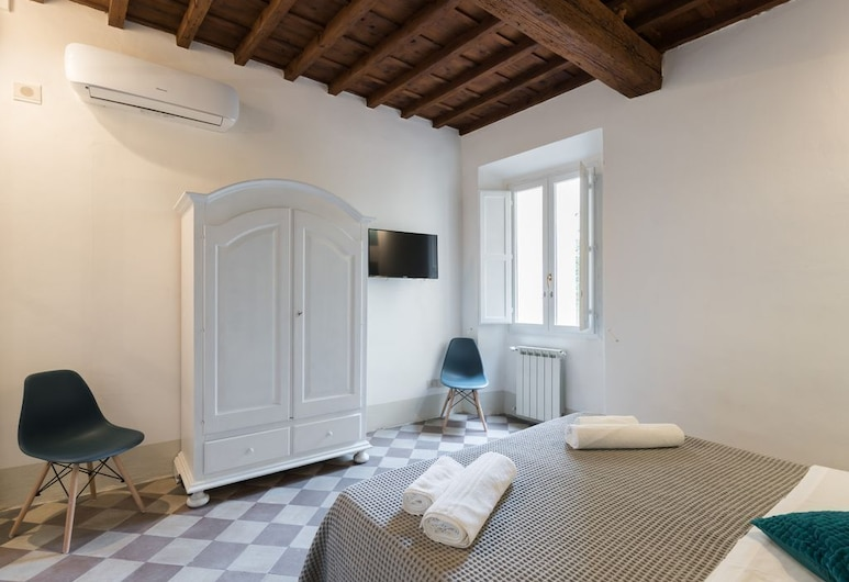 Fiesolana 6 - In the Heart of Sant'ambrogio, Florence, Room