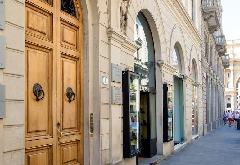 Speziali 1 B - Keys of Italy, Florencia, Vstup do zariadenia