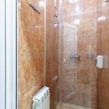 Economy Twin Room, Shared Bathroom - Pancuran Bilik Mandi
