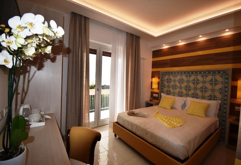 Melody Sorrento Suites, Sorrento, Guest Room
