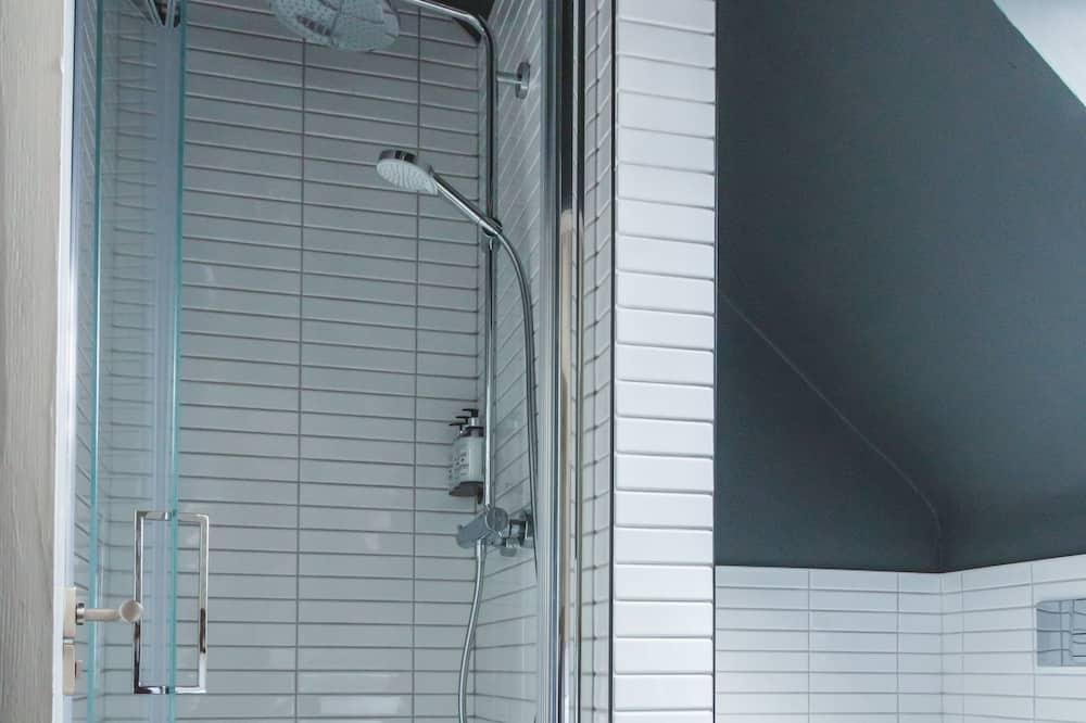 Design Double Room - Bathroom