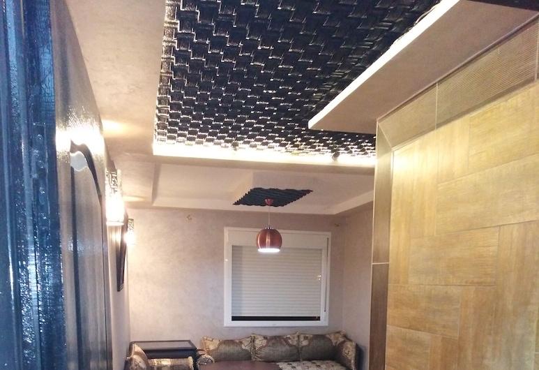 Bel Appar Tanjabalya, Tangier, City Apartment, 1 Double Bed, Non Smoking, Living Area