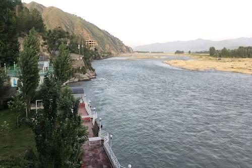 斯瓦特景觀酒店/
