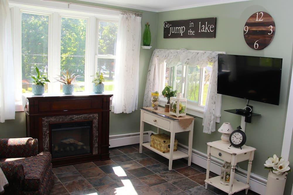 Premier Σπίτι, 2 Υπνοδωμάτια, Ψυγείο & Φούρνος Μικροκυμάτων, Μερική Θέα στη Λίμνη - Καθιστικό