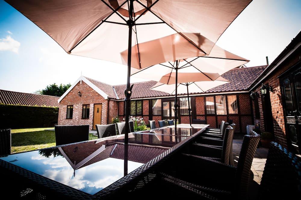 Casa (Highfields Lodge - max 23 people) - Terraza o patio