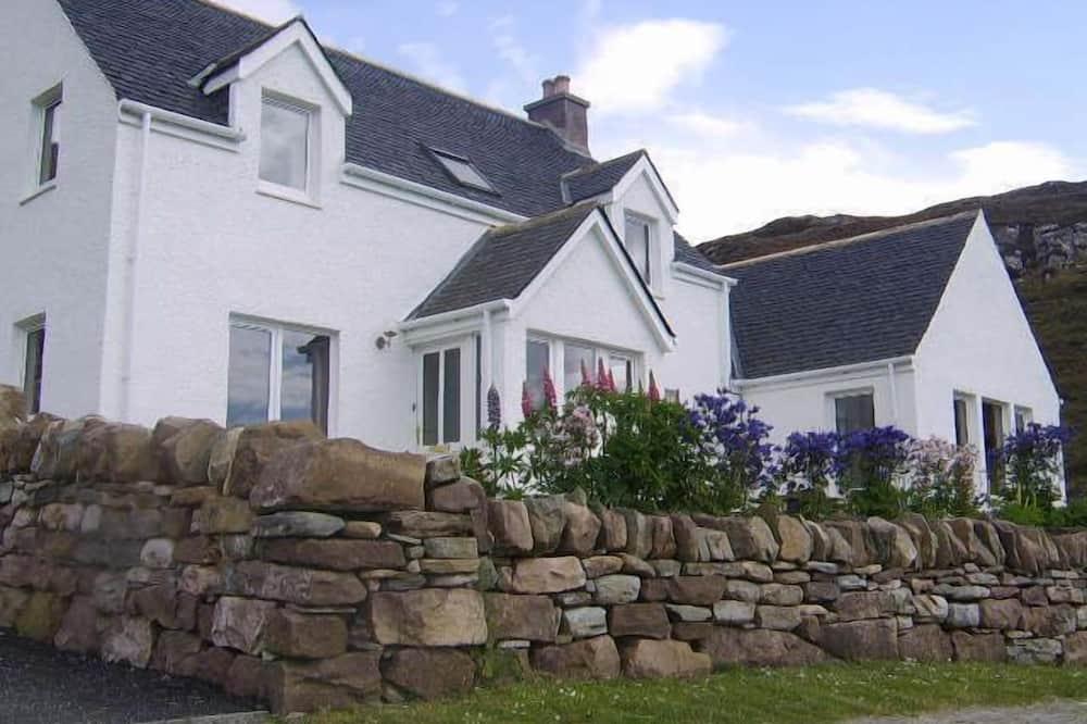 House, Ensuite, Sea View - Exterior
