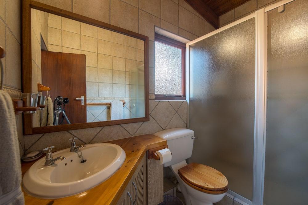 בקתה דה-לוקס, 4 חדרי שינה - חדר רחצה