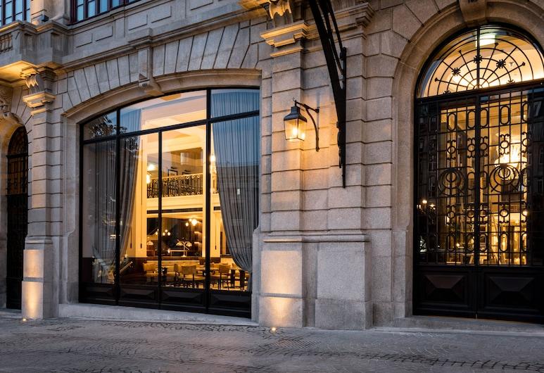 Maison Albar Hotels Le Monumental Palace, Porto, Hotellets front – kveld/natt
