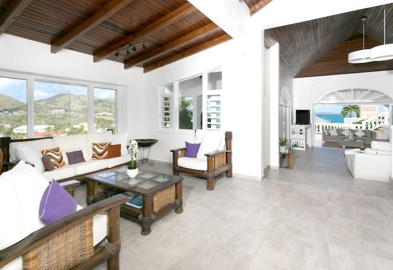 Villa With 3 Bedrooms in ST Martin, With Wonderful sea View, Private Pool, Enclosed Garden - 500 m From the Beach, Orient Bay, Living Room