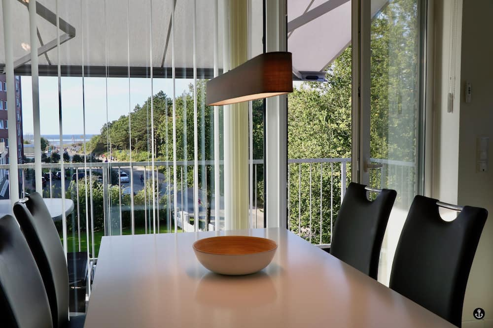 Apartment (incl 90€ cleaning and 12€ service fee) - In-Room Dining