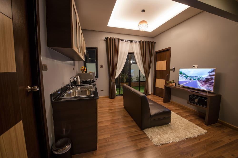 2-Bedroom Suite - Obývačka