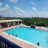 อพาร์ทเมนท์ - สระว่ายน้ำกลางแจ้ง