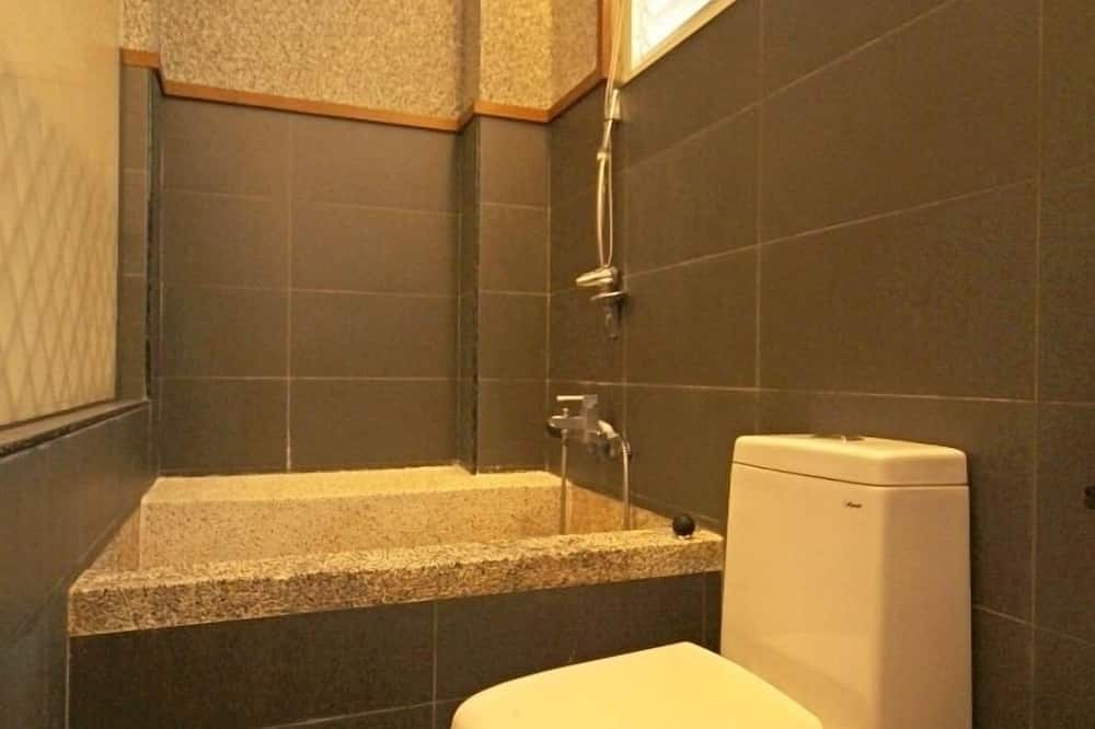 Standard Double Room, Non Smoking - Bathroom