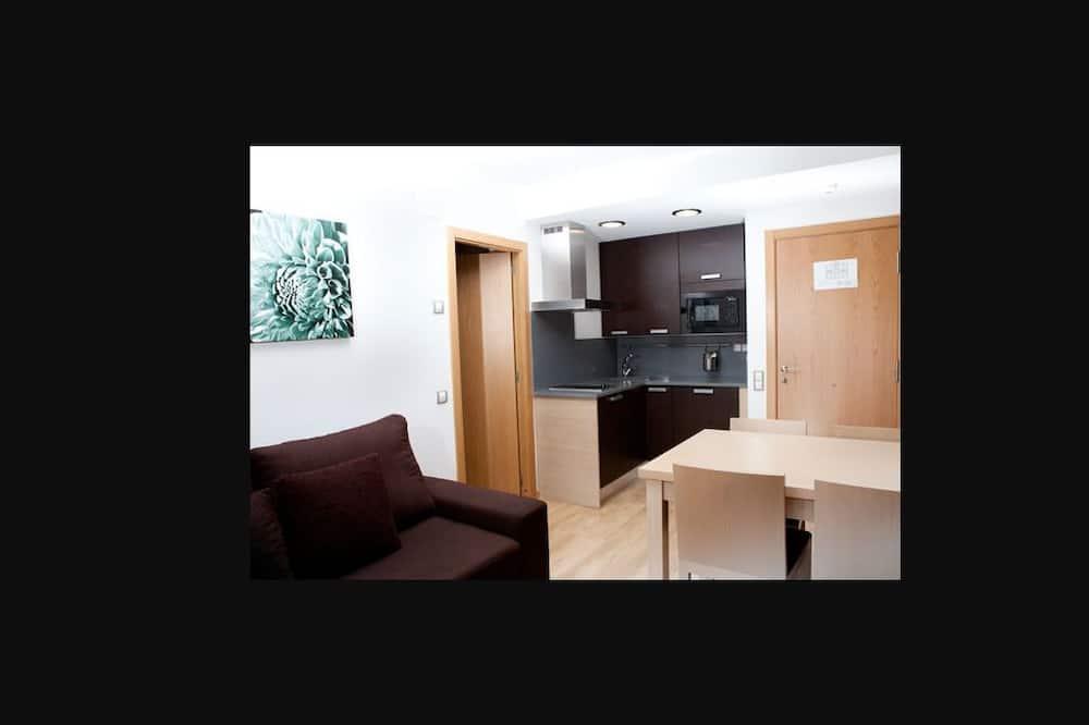 شقة - غرفة نوم واحدة - منطقة المعيشة