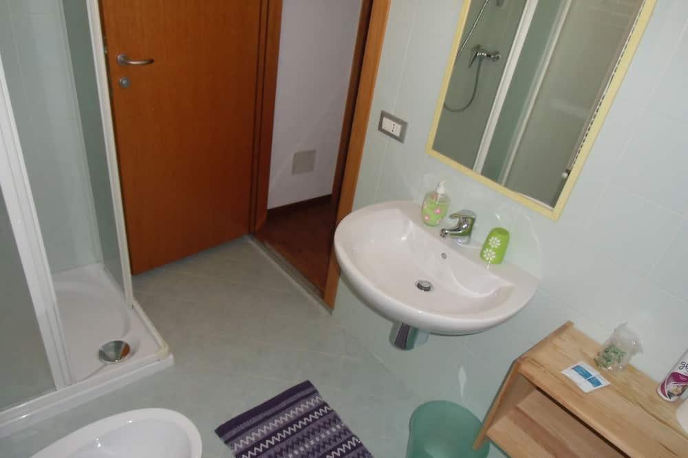 Habitación doble tradicional, para no fumadores - Baño