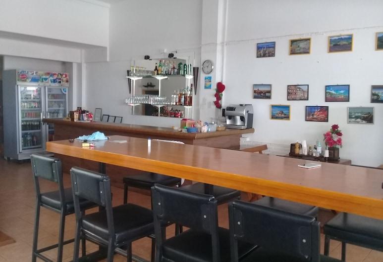 La Canteena, Pattaya, Quầy tiếp tân