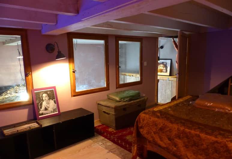 Résidence Meublée Larguez Les Ames Art, Marseille, Triple Room, Shared Kitchen (Marguerite), Guest Room