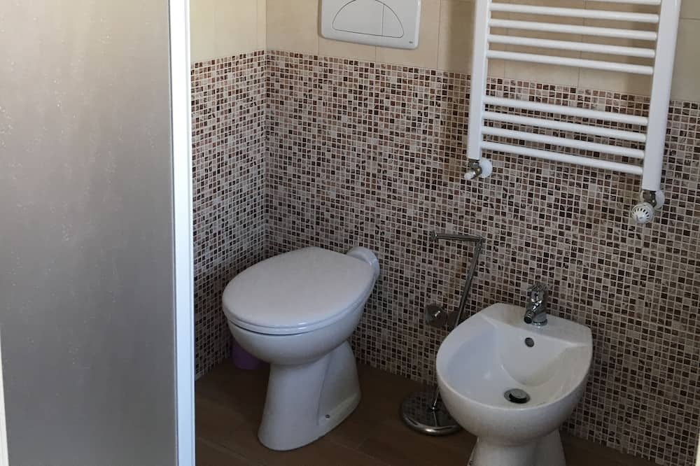 Rodinný apartmán, 2 ložnice, kuchyně (Yellow, Violet) - Koupelna