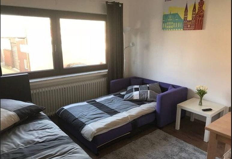 Living at Klassvilla -  Weserwehr No. 3, Bremen, Apartment, Room