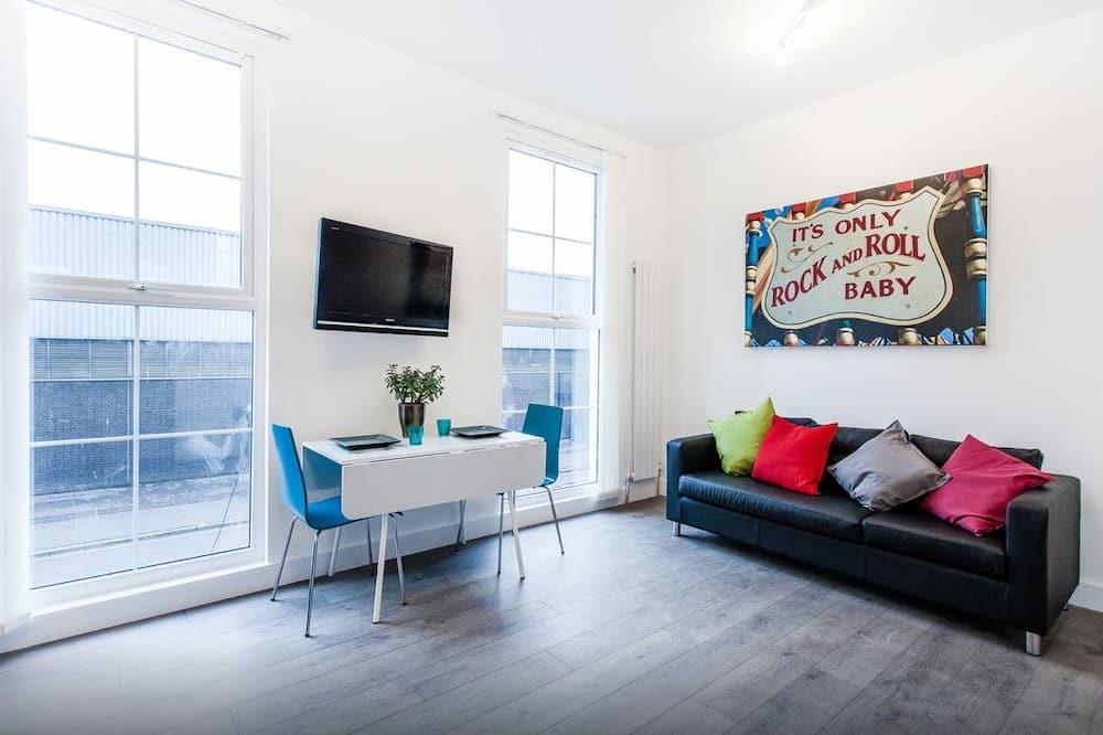City Apartment, 1 Bedroom (58C) - Living Room