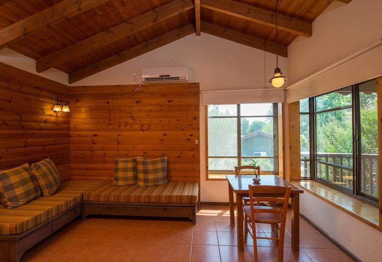Nofey Gonen Holiday Village, HaGalil HaElyon, Eenvoudig huisje, Woonkamer