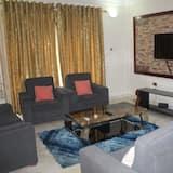 Апартаменти із покращеним обслуговуванням, 2 спальні - Вітальня