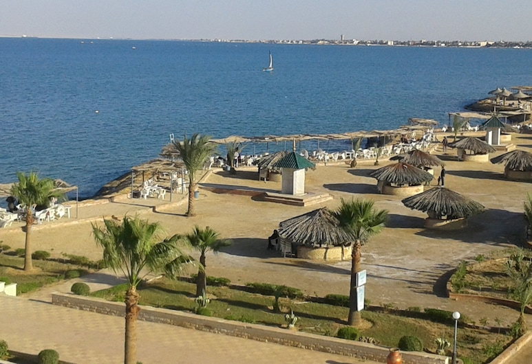 Fanara Apartments Armed Forces, Fayed, Beach