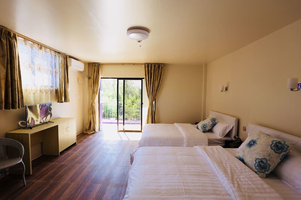 Dvojlôžková izba typu Deluxe - Výhľad z balkóna