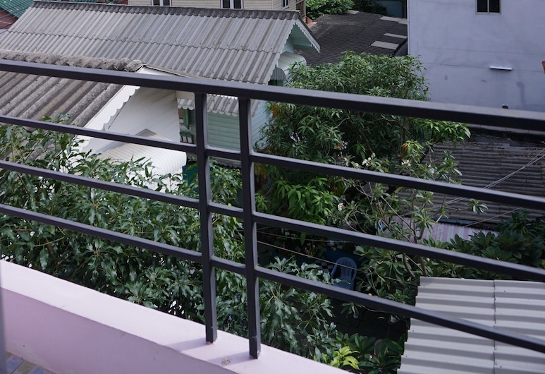 Bonita House, Bangkok, Single Room with Fan, Balcony