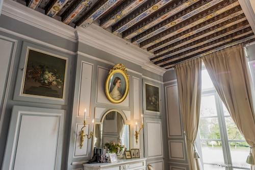普萊耶城堡酒店/