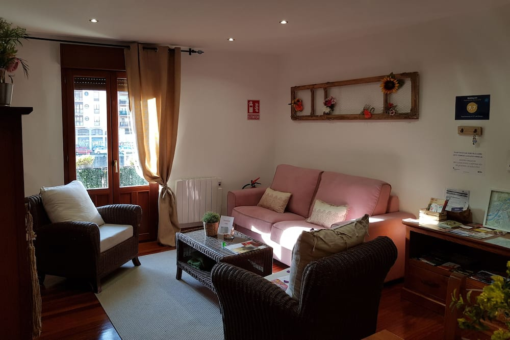 Apartment, 2 Bedrooms, Balcony, City View - Living Area
