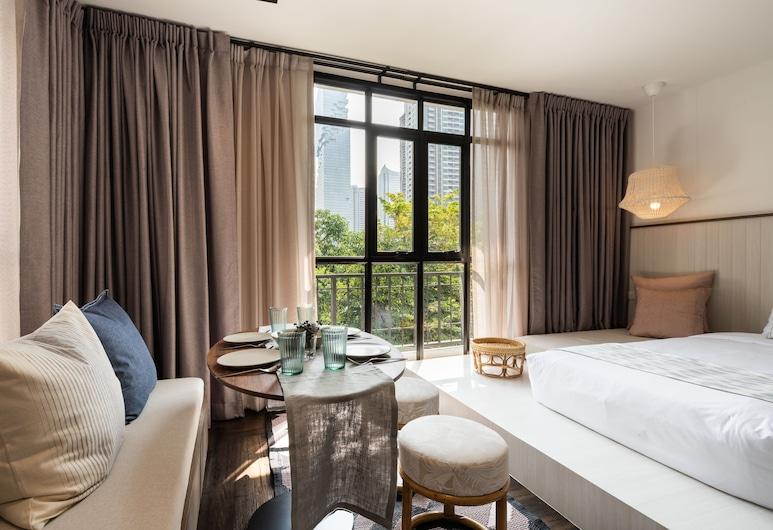 Warm Window Silom - Hostel, Bangkok, Private Triple Room with Ensuite Bathroom, Gjesterom