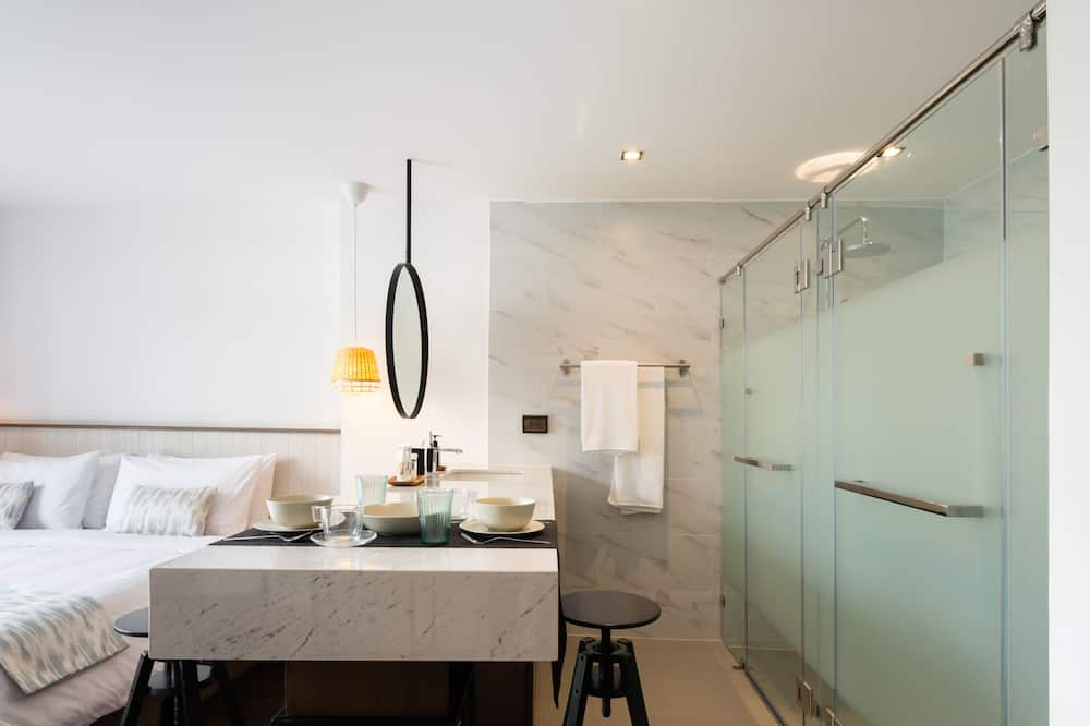 Private Room with Partially Open Bathroom - Bathroom