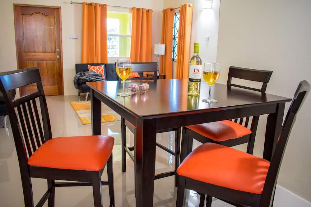 Family Villa, 3 Yatak Odası, Bahçe Manzaralı - Odada Yemek Servisi