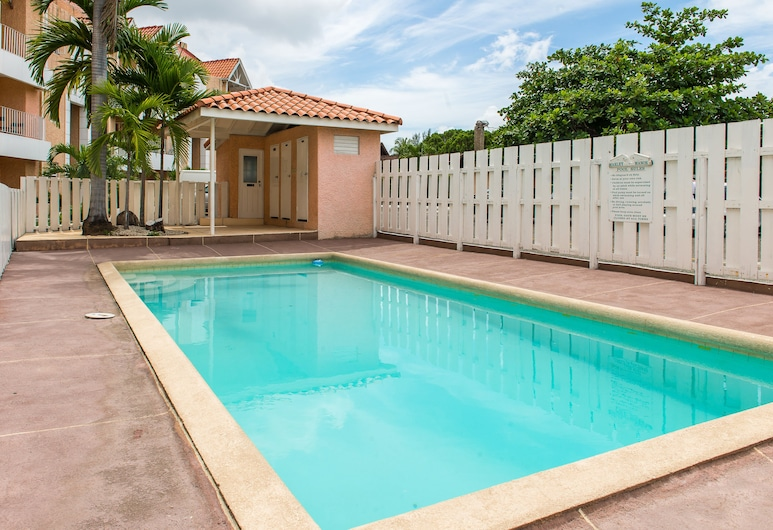 Kingston Most Centrally Located Two Bdrm, Kingston, Outdoor Pool