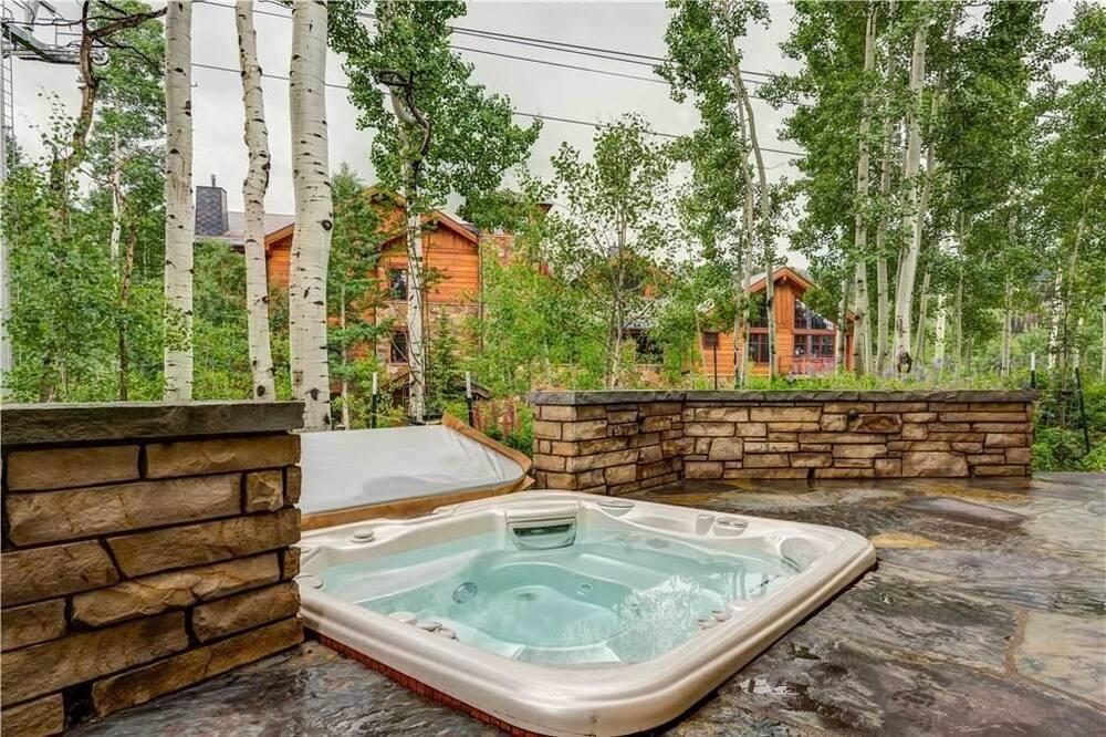 Casa, várias camas (Aspen Ridge 1) - Banheira de Hidromassagem Exterior