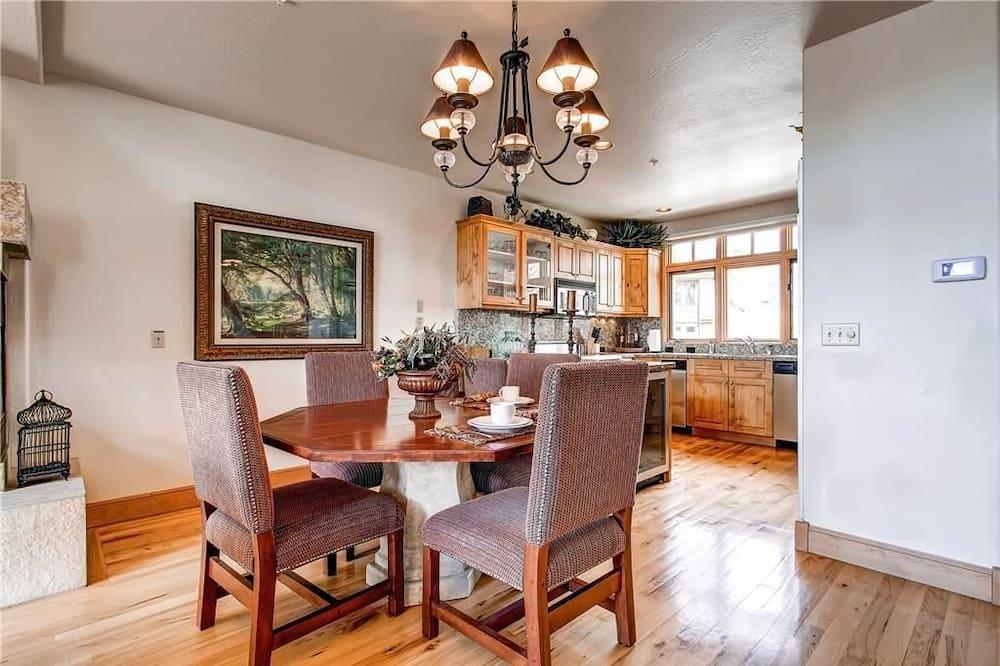Casa, várias camas (Aspen Ridge 6 - Fabulous Home in Moun) - Refeições no Quarto