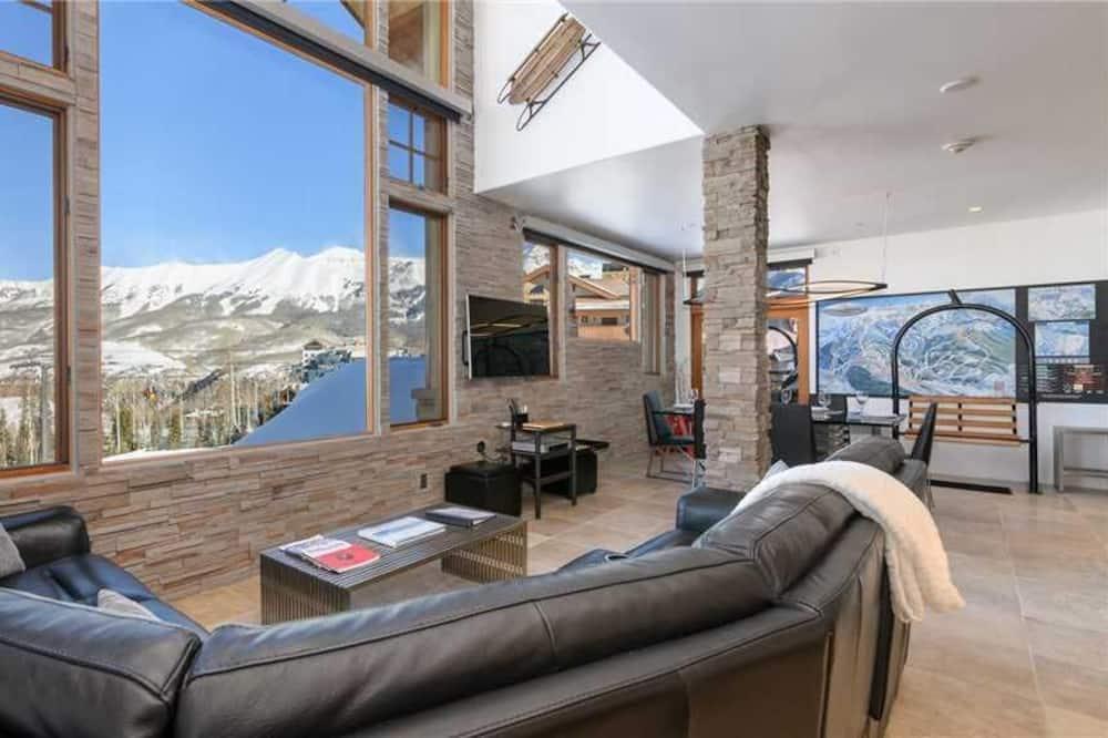 Condo, Multiple Beds (Granita 304) - Living Room