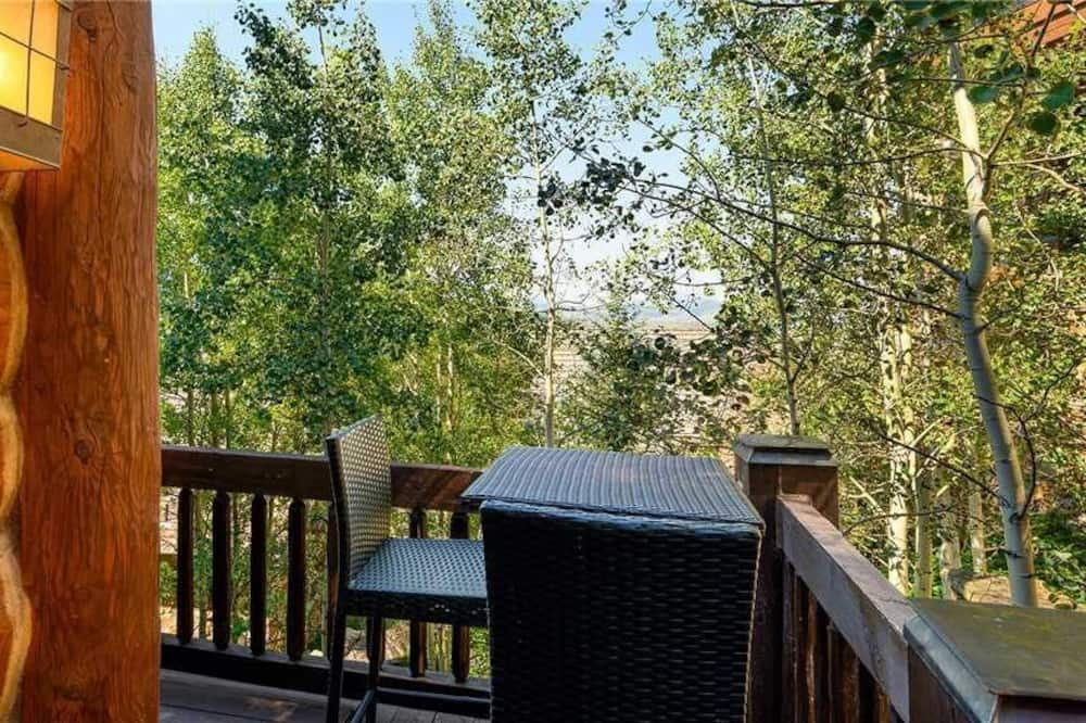 Condo, Multiple Beds (See Forever Cabin 109 - Irresistible ) - Balcony
