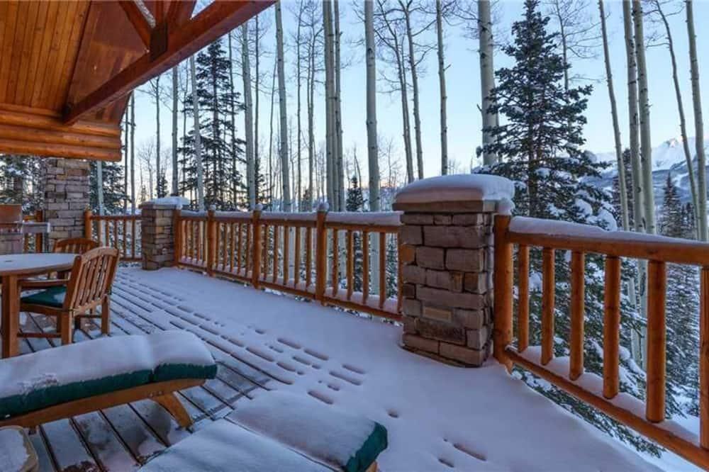 Casa, várias camas (Snowdrift Cabin (Private Home)) - Varanda