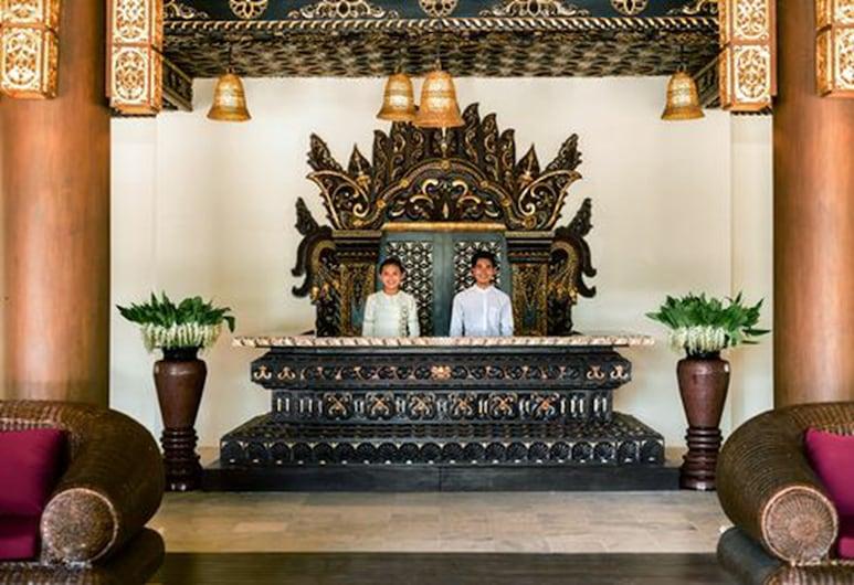皇家宮殿飯店, 良烏, 櫃台