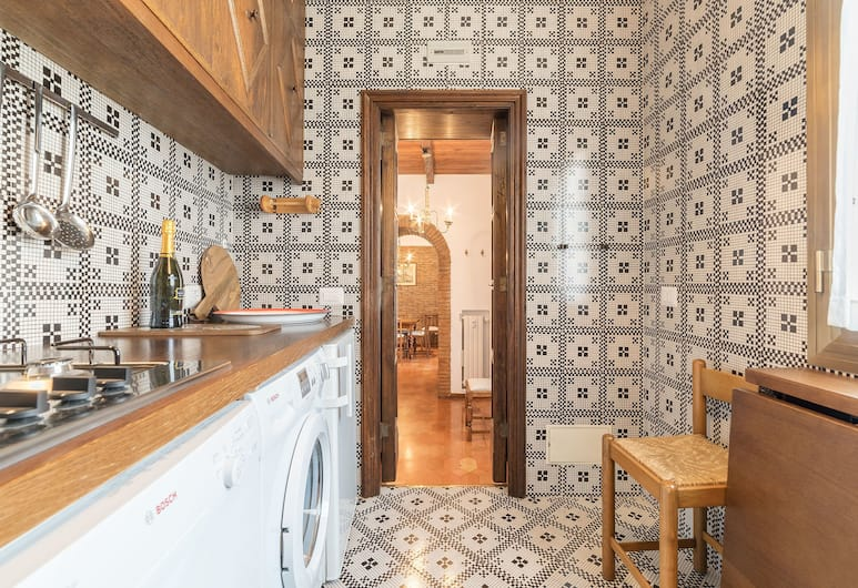 Trevi's Roof Terraces, Rome, Traditional Apartment, 2 Bedrooms, Private kitchen
